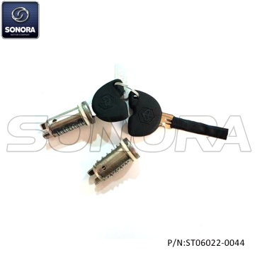 Piaggio lock set 5735125(P/N:ST06022-0044) top quality