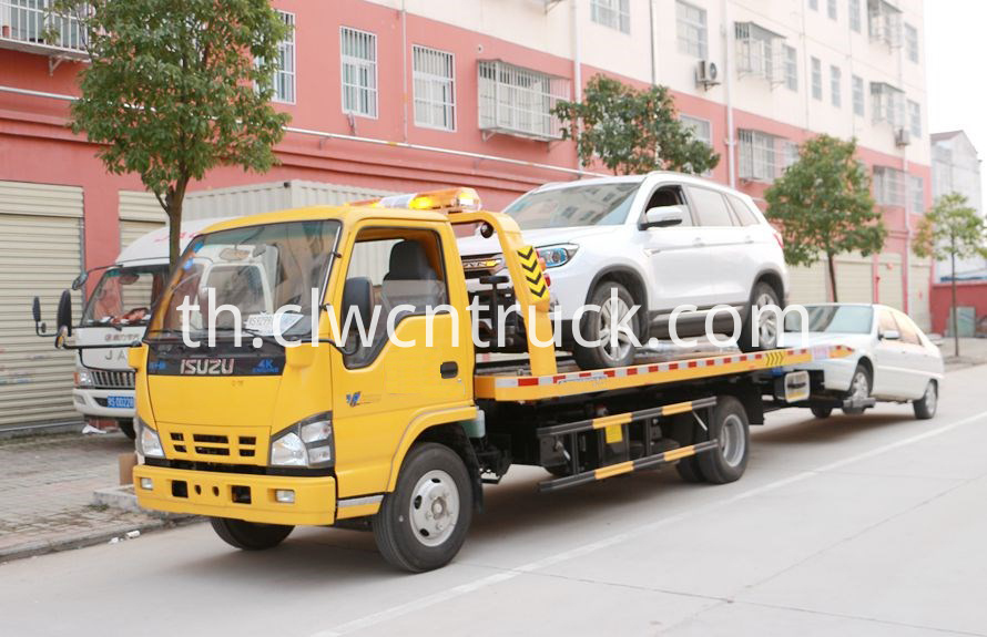 ISUZU road wrecker
