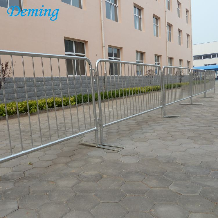 Temporary Road Safety Traffic Crowd Control Barrier Metal Fence