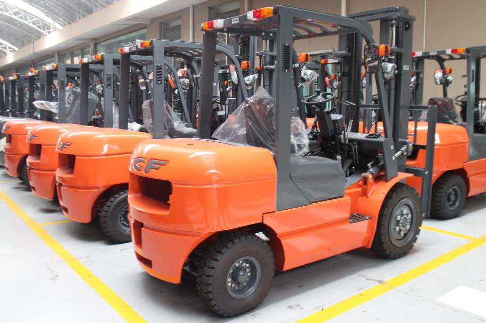 Forklift With Comfortable Dispositon