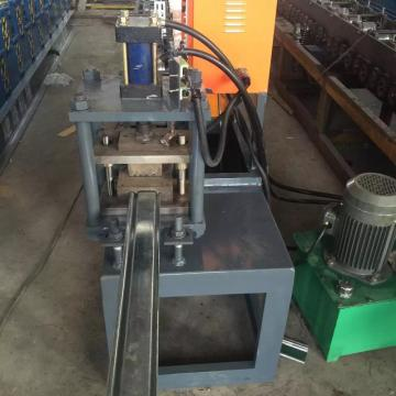 Automatic roll shutter door forming machine