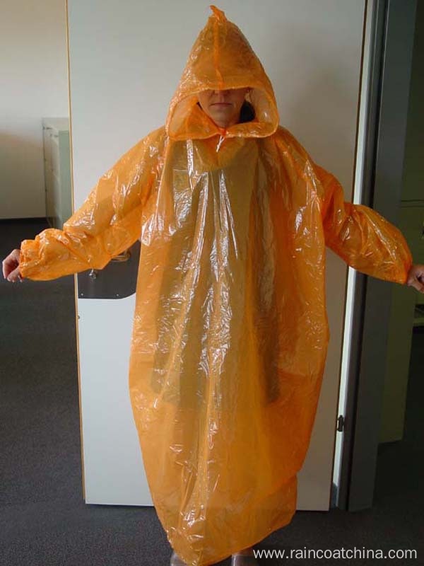 One Time Use Plastic Disposable Raincoat
