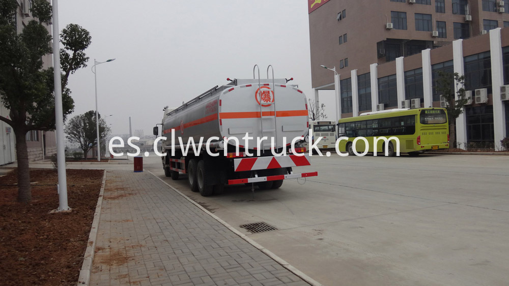 heavy duty fuel tank truck 3