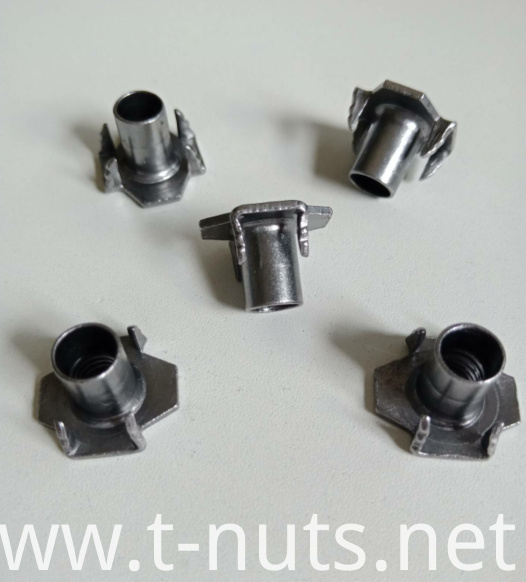 Riveted carbon steel M6X16 T-nuts