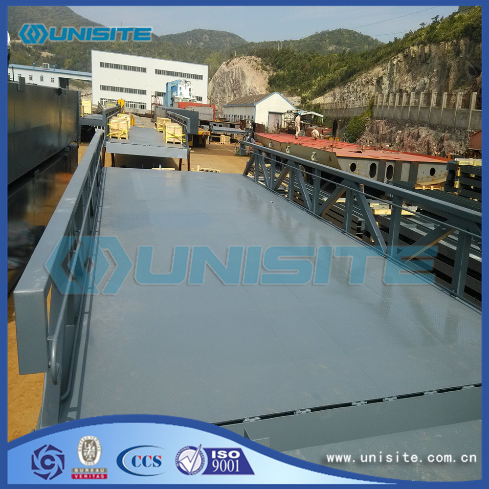 Marine construction floating platform