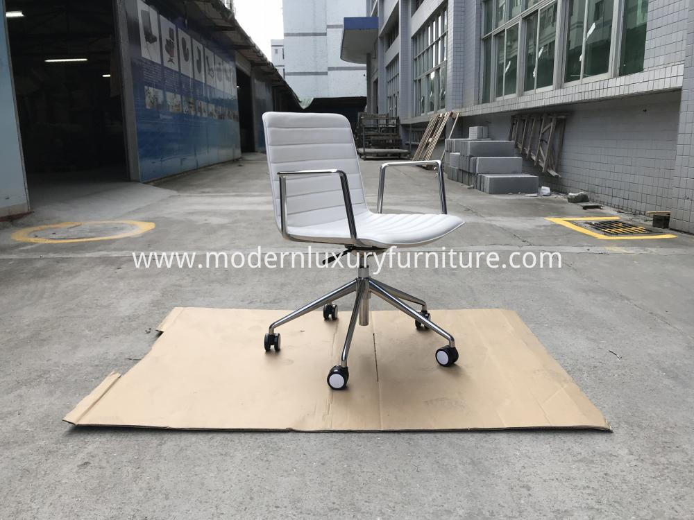 Kc059 Andreu World Flex Chair1