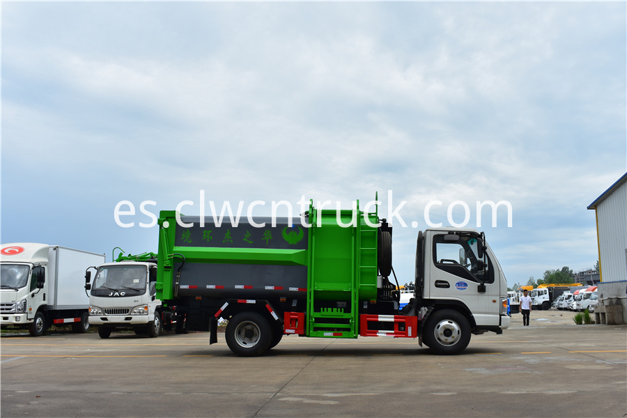 waste management recycling truck companies