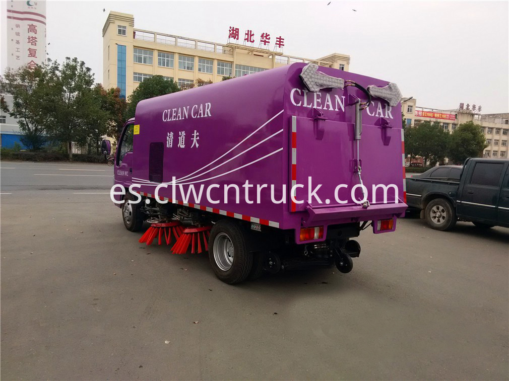 isuzu road sweeper truck 2