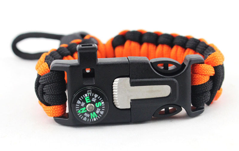 custom paracord bracelet