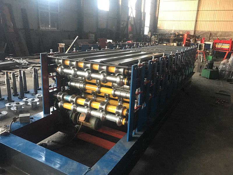 three layer roll forming machine