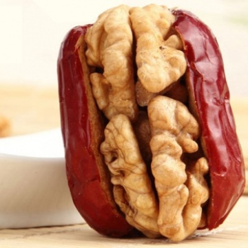 Walnut in dried red date
