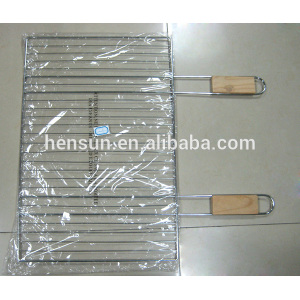 Rapid Delivery for China BBQ Grill Mesh,Barbecue Grill Mesh,Barbecue Grill Wire Mesh Manufacturer and Supplier Chrome Barbecue Grill Rack with Wooden Grip supply to Italy Factories