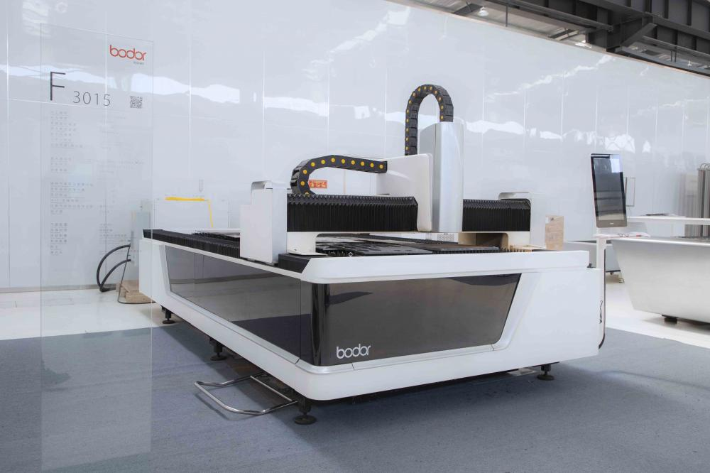 F17 Fiber Laser Cutting Machine