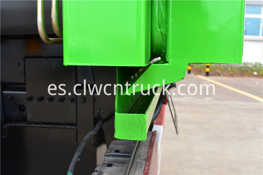 waste management recycling truck price