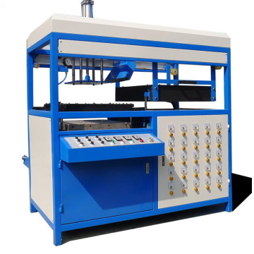 Single working station of vacuum forming machine