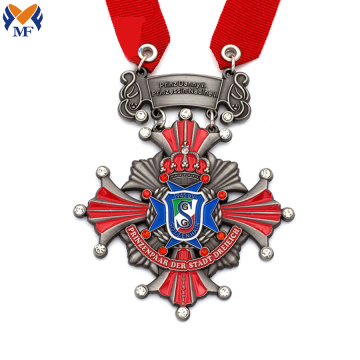 Red enamel luxury metal diamond medal