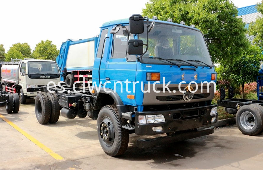 dongfeng water wagon chassis pictures 1