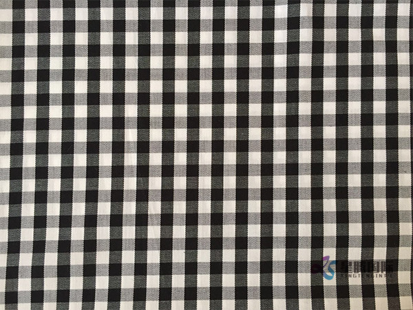 Yarn Dyed 100% Cotton Shirting Fabric