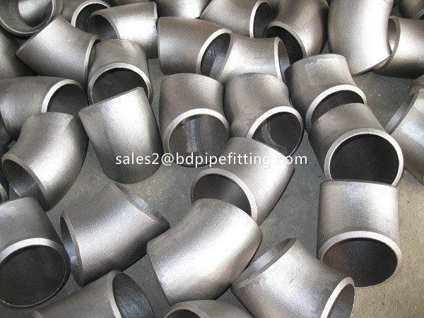 Alloy pipe fitting (195)