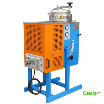 Methylene chloride recycling machine