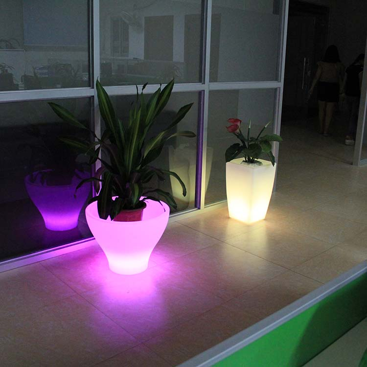 Wholesale Decoration Home Plastic Garden Led FlowerPots