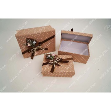 Paper bouquet pink cloth white dot gift box