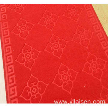 Heat embossed carpet in rolls