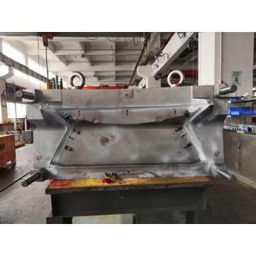 Large Hot Runner Mold Making