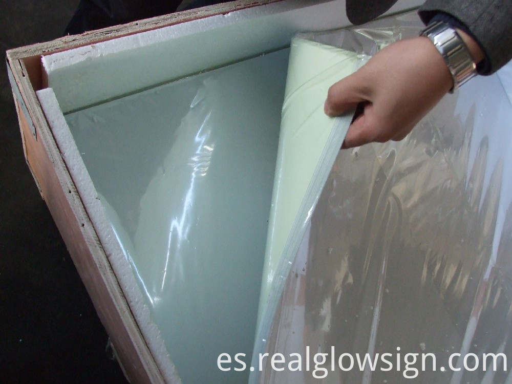 photoluminescent-rigid-sheet-package-plastic-bags