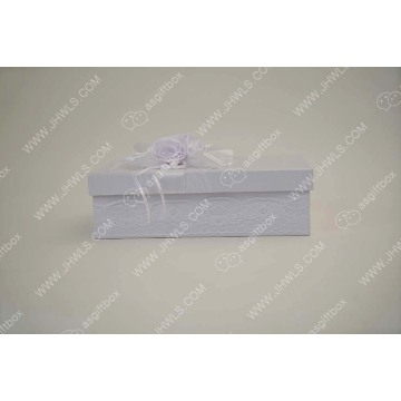 Pure White Lace Rose HAT Gift Box