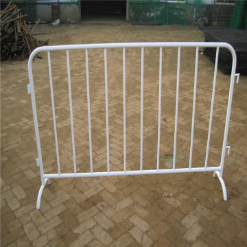 Portable crowd control fences panels