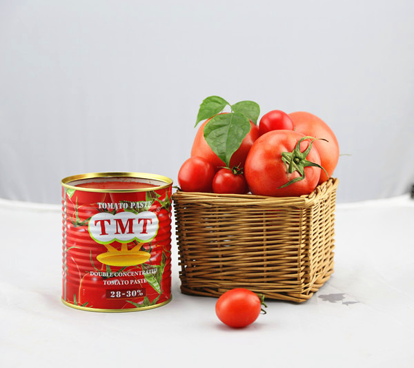 Organic canned diced peeled tomatoes for Italy