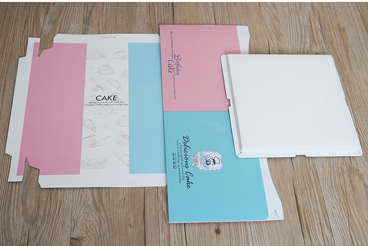 Square cardboard cake packaging box