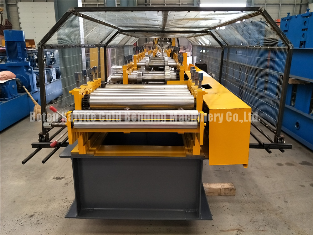 Z Purlin Roll Forming Machiney