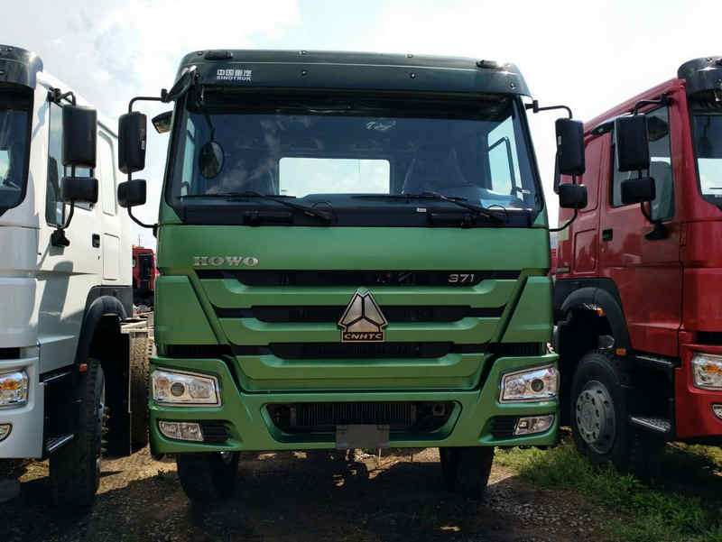 Green Chassis 8x4 Dump Truck