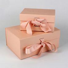 Wholesale Cardboard Magnetic Folding Clothing Gift Box