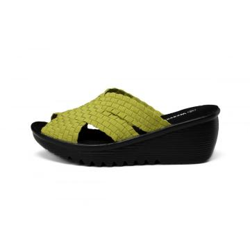 Green Comfortable Round Toe Design Woven Slippers