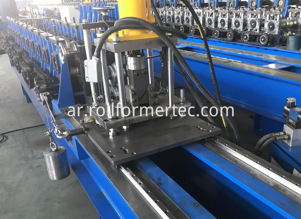 Below is the cutting system for the J profile rollforming line. It is servo motor tracking cutting system.