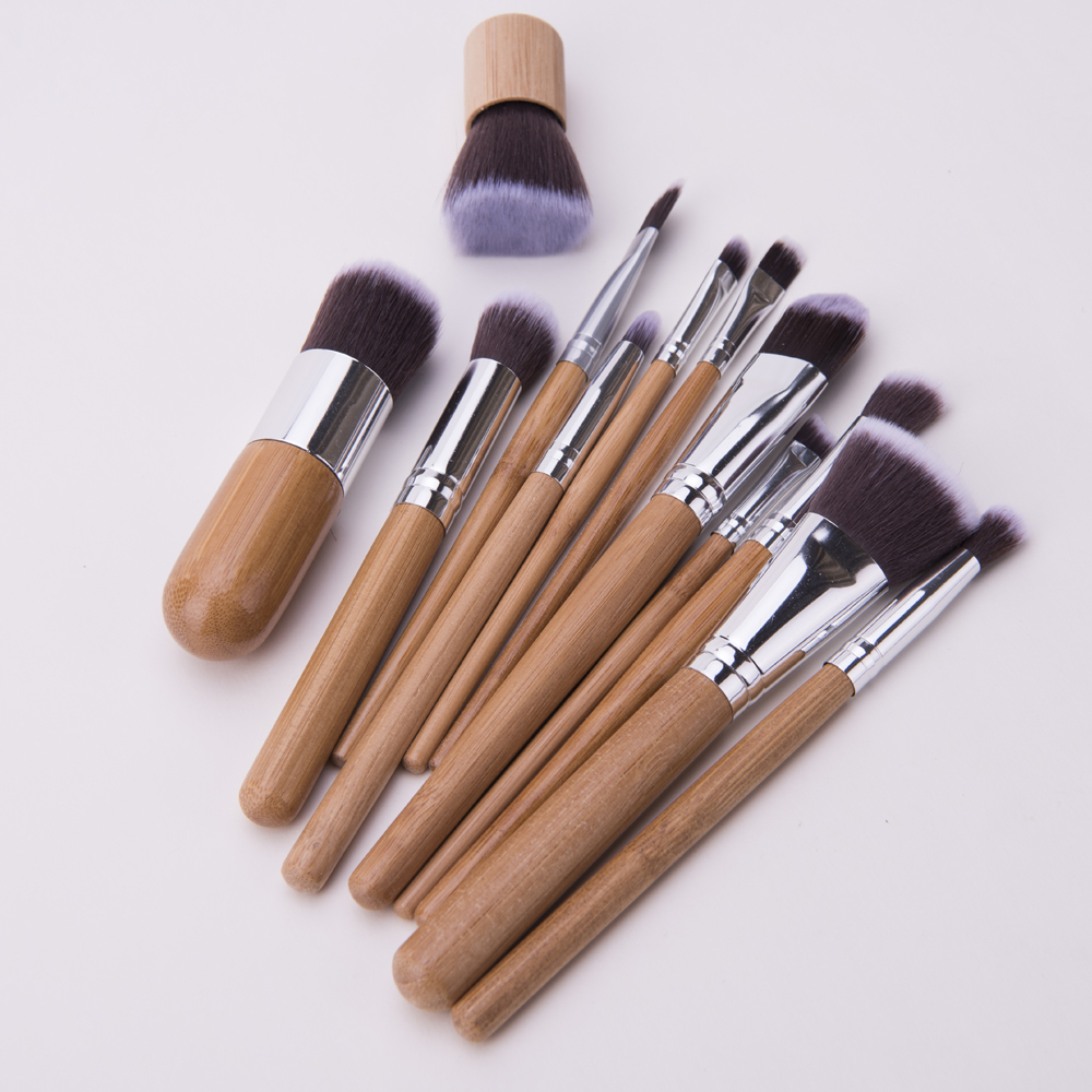 Wood Handle Makeup Brush