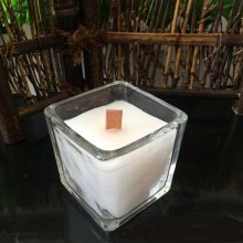 Supply Luxury candle in square clear glass holder