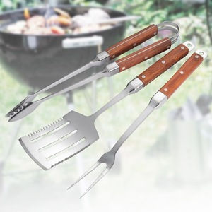 OEM/ODM Supplier for BBQ Tong 3PCS Wooden Handle Stainless Steel BBQ Tools Set supply to India Factory