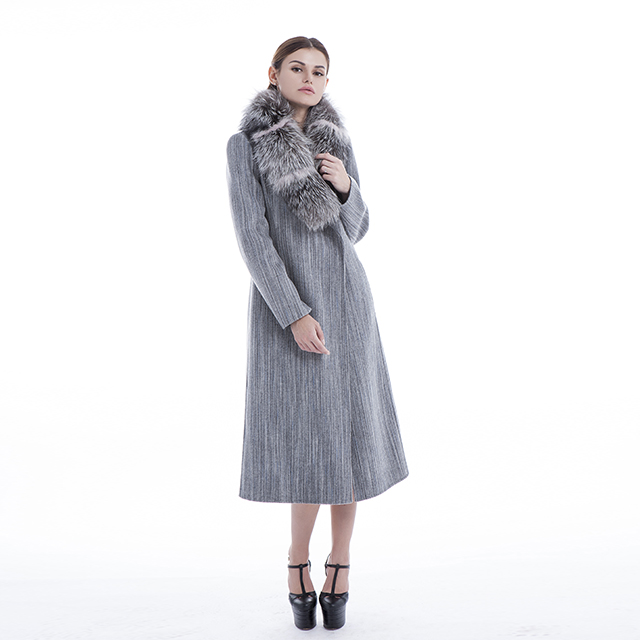 Striped cashmere coat with fur collar