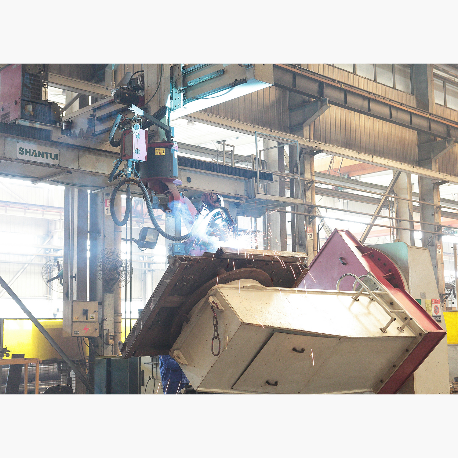 welding robot for excavator