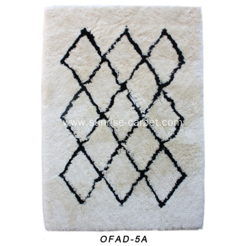 Soft Long Yarn with Geometric Design Carpet
