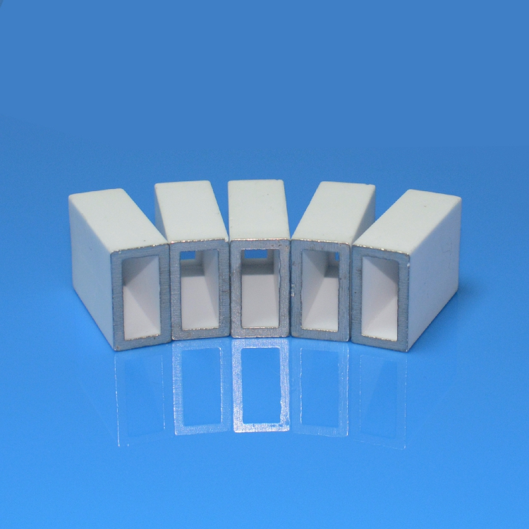 Metallized ceramic housing