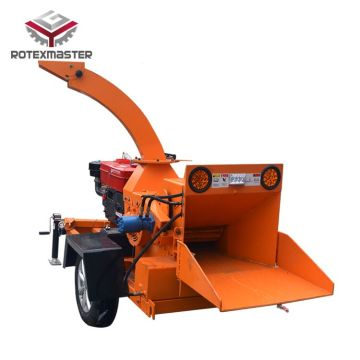 Diesel engine type tree branches wood chipper