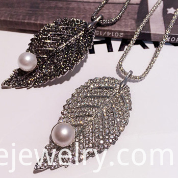 Crystal Alloy Necklace
