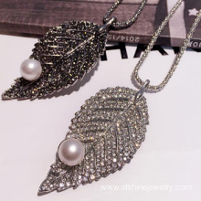 Leaf Shape Crystal Alloy Necklace Imitation Pearl Necklace