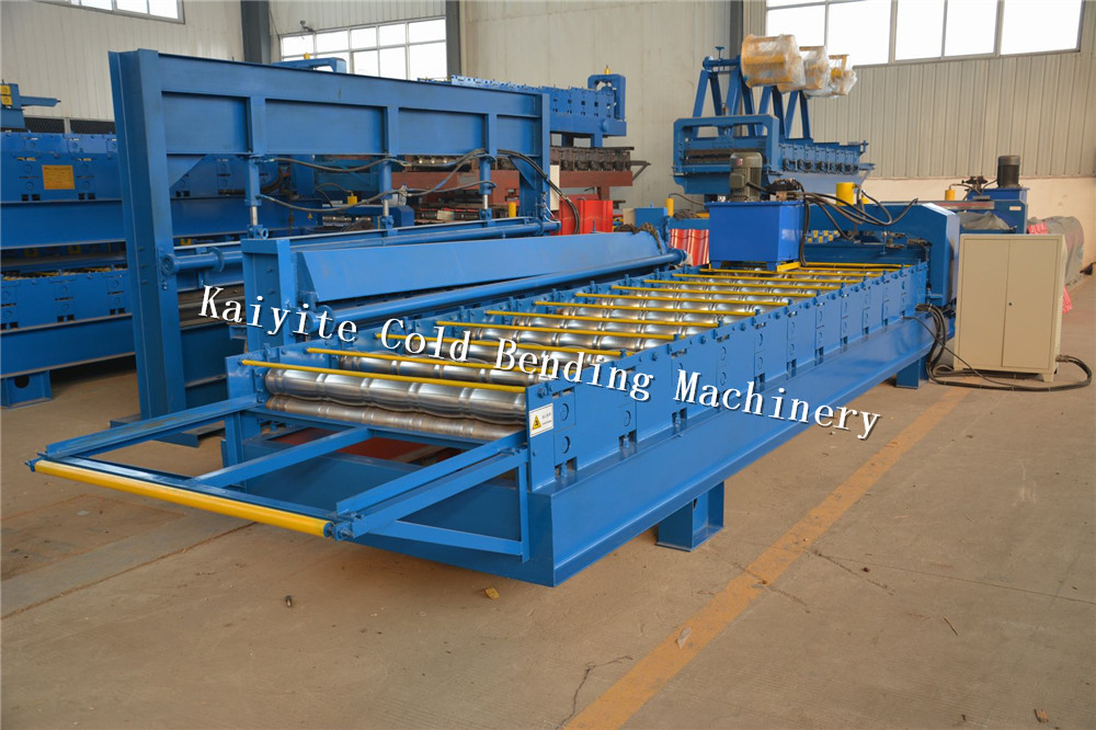 step roofing panel machine