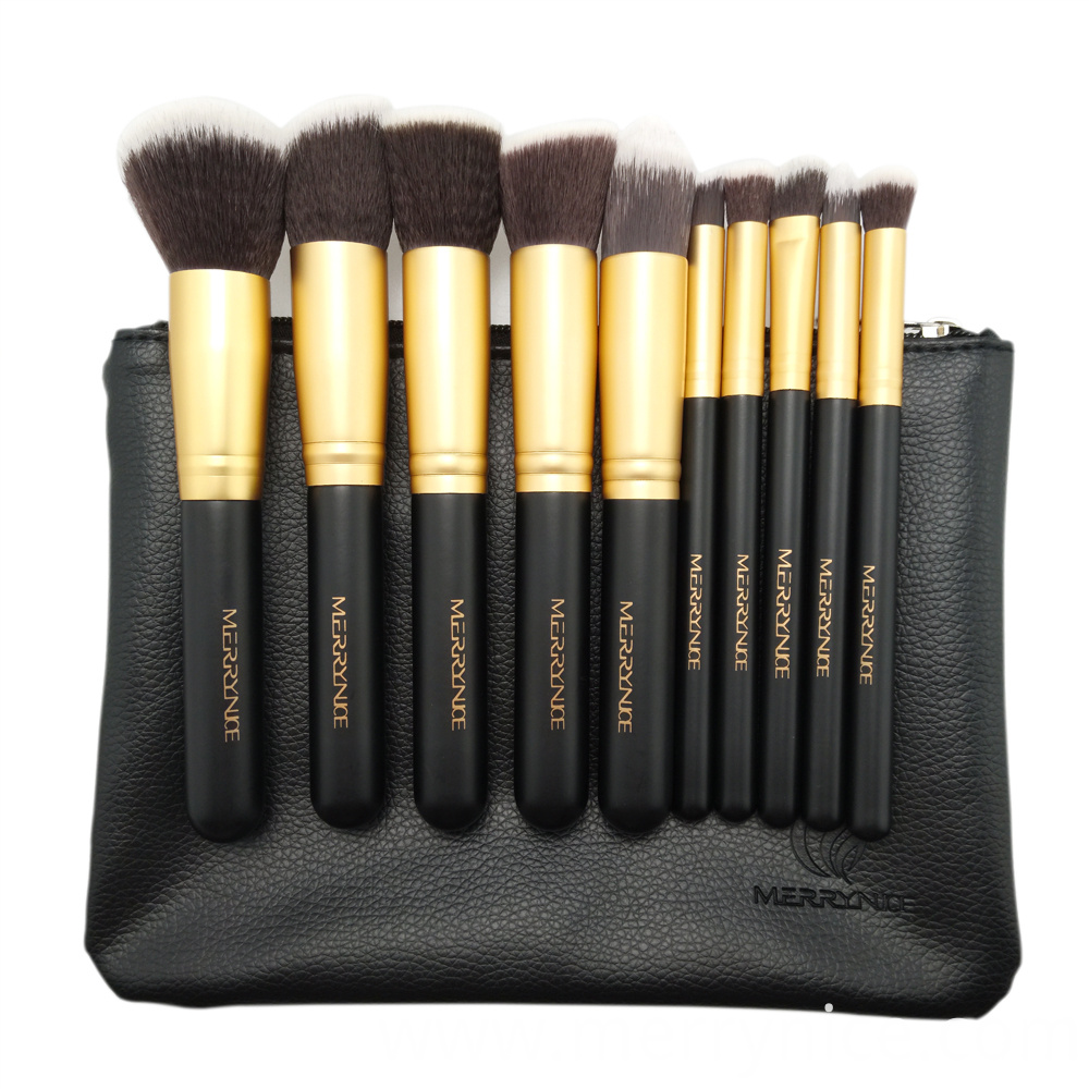 Makeup Brush with Black Zipper Pouch